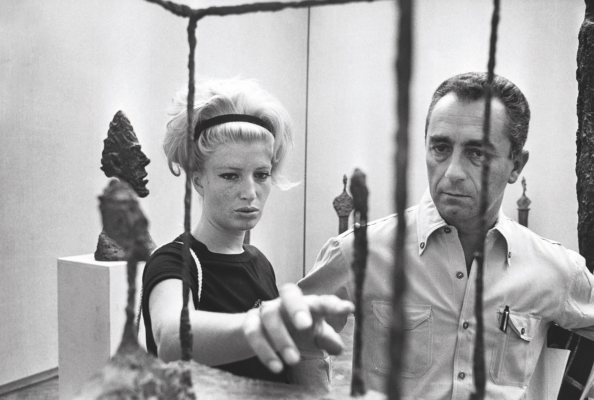 Monica Vitti and Michelangelo Antonioni Biennale of Venice, 1962 in front of Alberto Giacometti