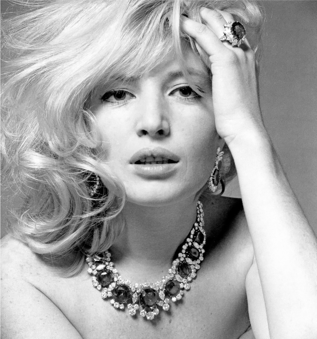 "Monica Vitti wearing the Bulgari ""Seven Wonders"" (named for the seven magnificent Columbian emeralds) necklace of platinum, emeralds and diamonds,1965 Photo Karen Radkai"
