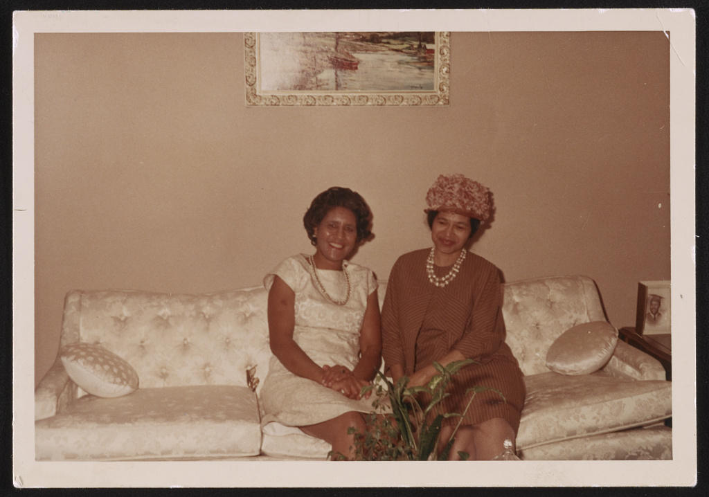 Rosa Parks at the home of Elizabeth Caffey during the State of Alabama Tea