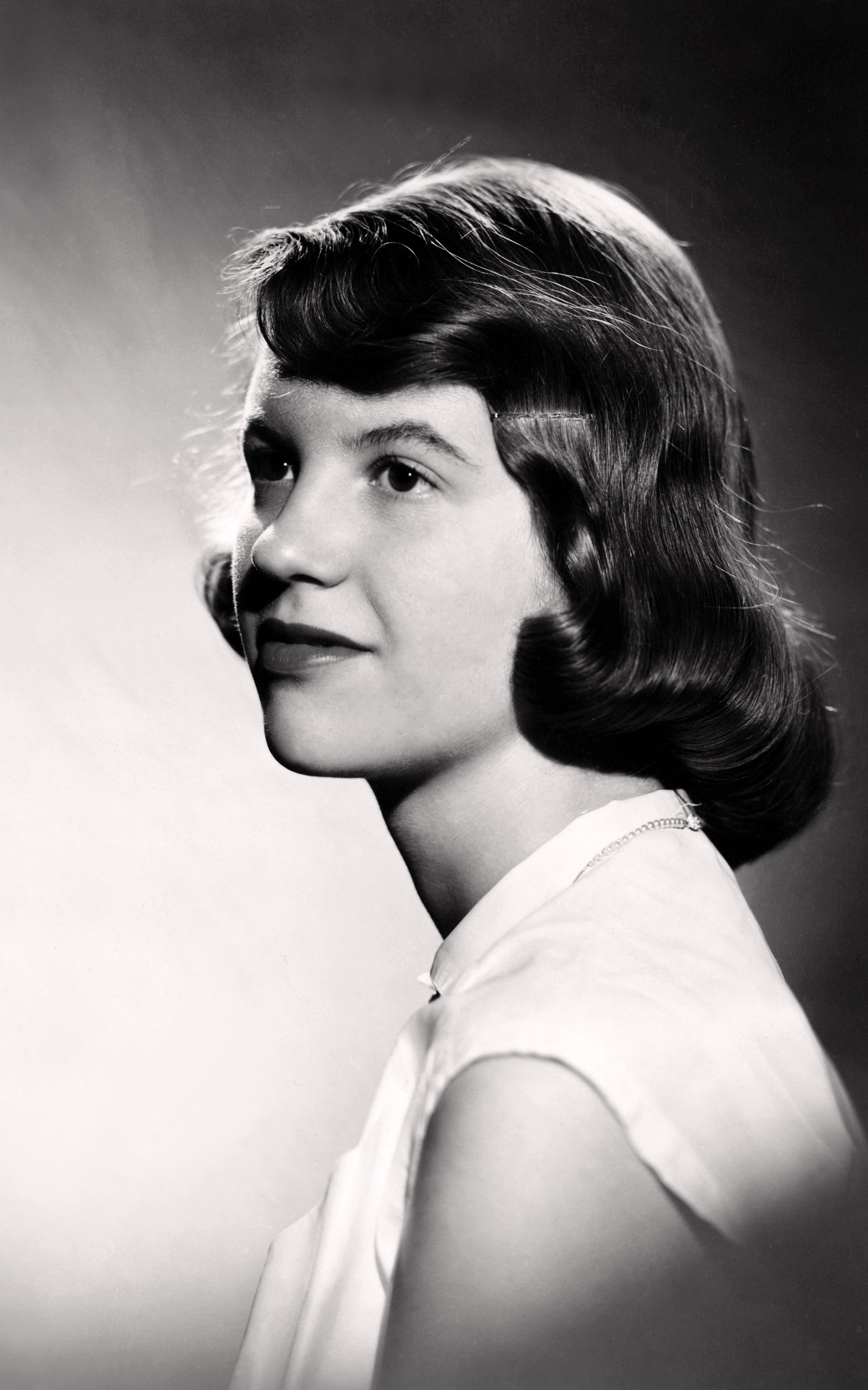 Studio photograph of Sylvia Plath, 1954 Photograph: Warren Kay Vantine/College Archives, Smith College, Northampton, Massachusetts