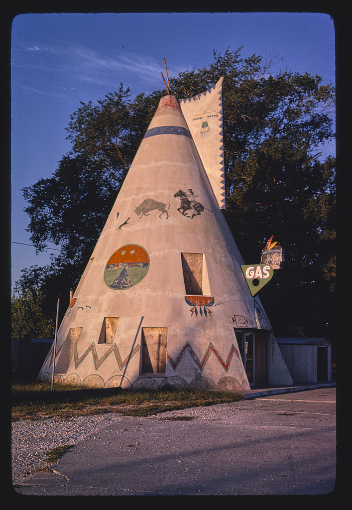 Teepee gas station, Route 40 1980