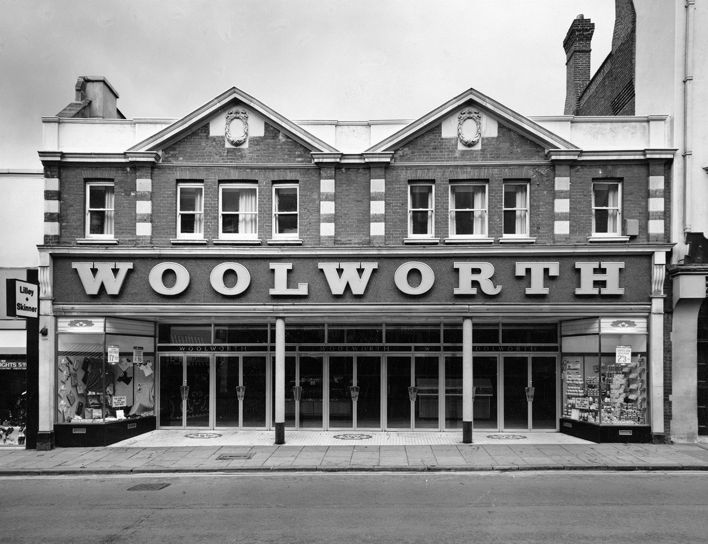 The Bromley store with a new shopfront in 1969. The lettering was ridiculously out of scale compared with the building.