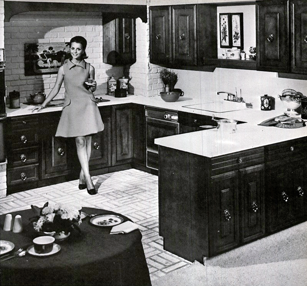 094_Her Glorious Kitchen