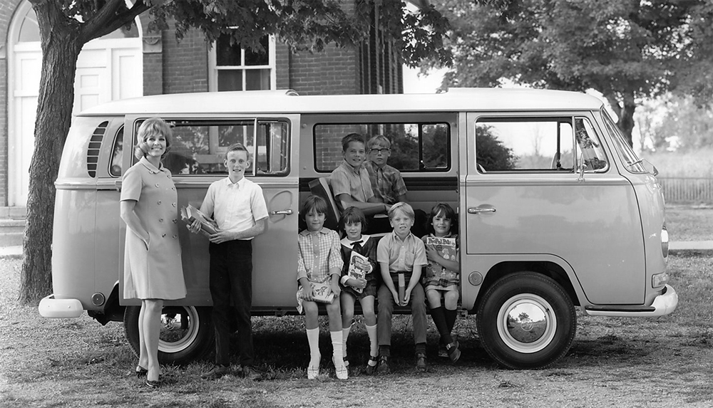 Vintage Images Of People  Their Beloved Volkswagen Buses -8985