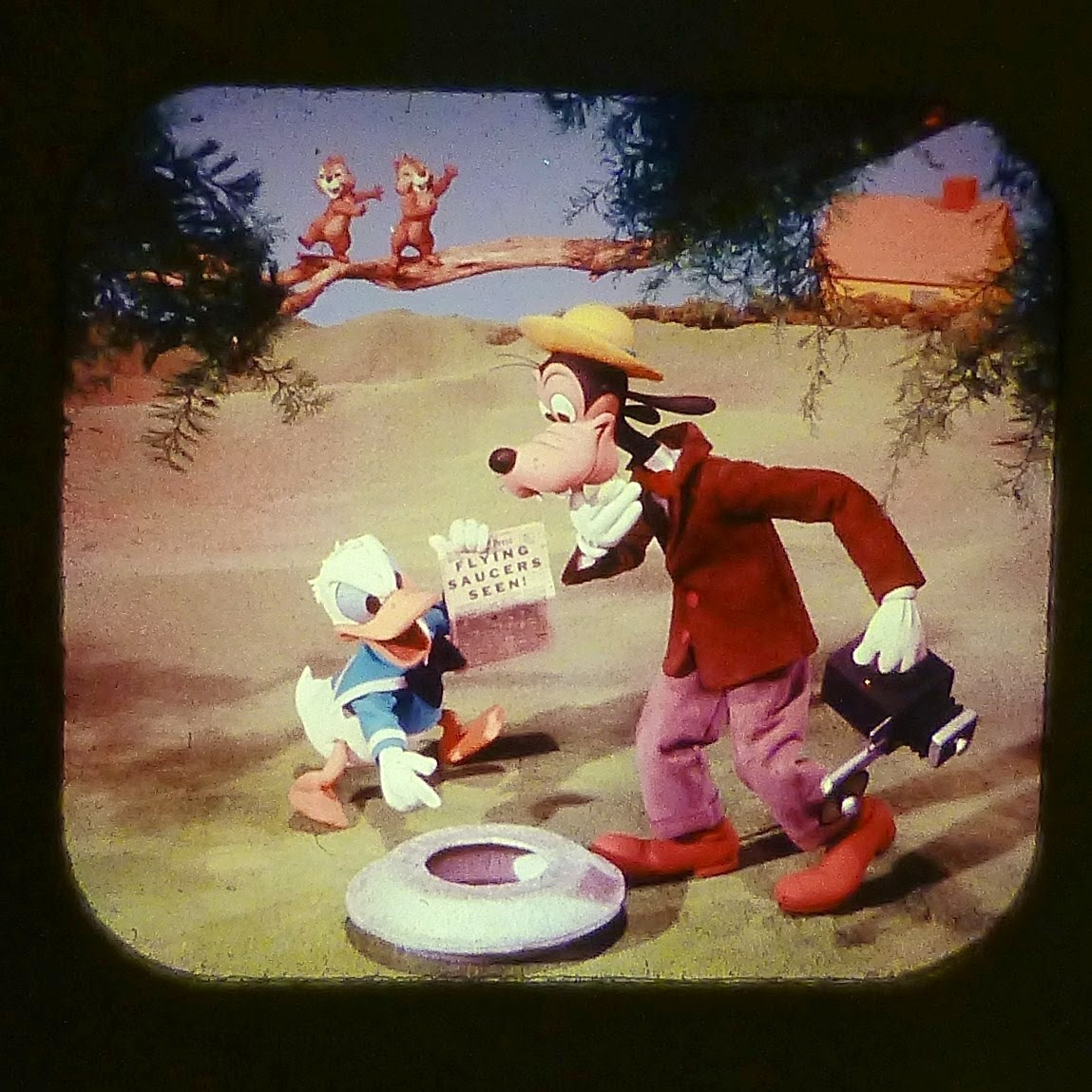 DONALD DUCK IN FLYING SAUCER PILOTS VIEW MASTER SCANS