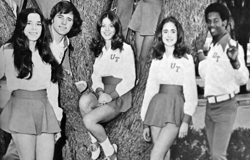 Texas_cheerleader_uniforms_1971_2-616x425