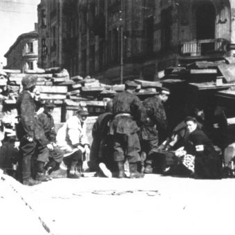 Photos From Behind The Barricades At The Warsaw Uprising (1944)