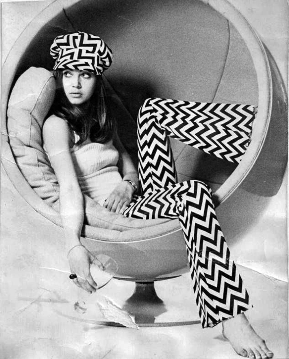 1960s-Ball-Chair1
