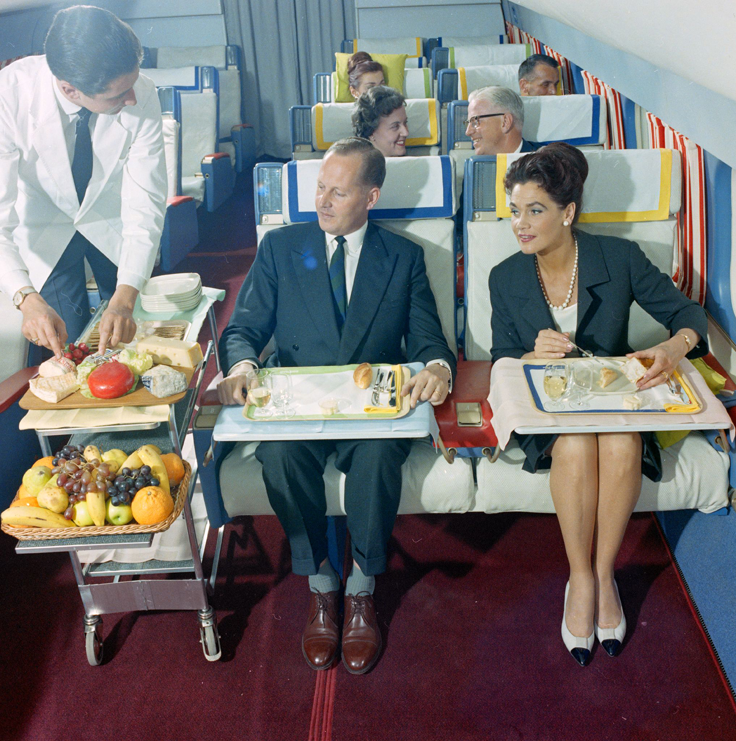 living the dream at 35 000 ft flying first class in the 1960s flashbak. Black Bedroom Furniture Sets. Home Design Ideas
