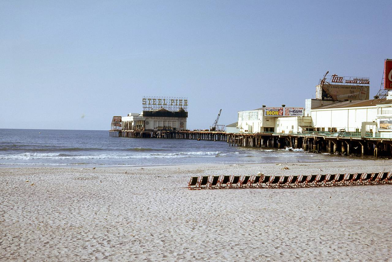 Atlantic City, New Jersey 1962 deckchairs Steel Pier