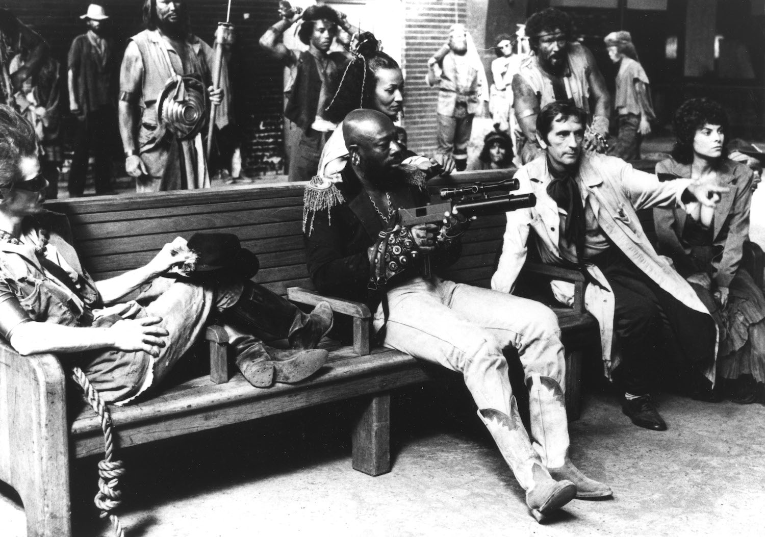 Escape From New York - 1981 Frank Doubleday, Isaac Hayes, Harry Dean Stanton, Adrienne Barbeau 1981