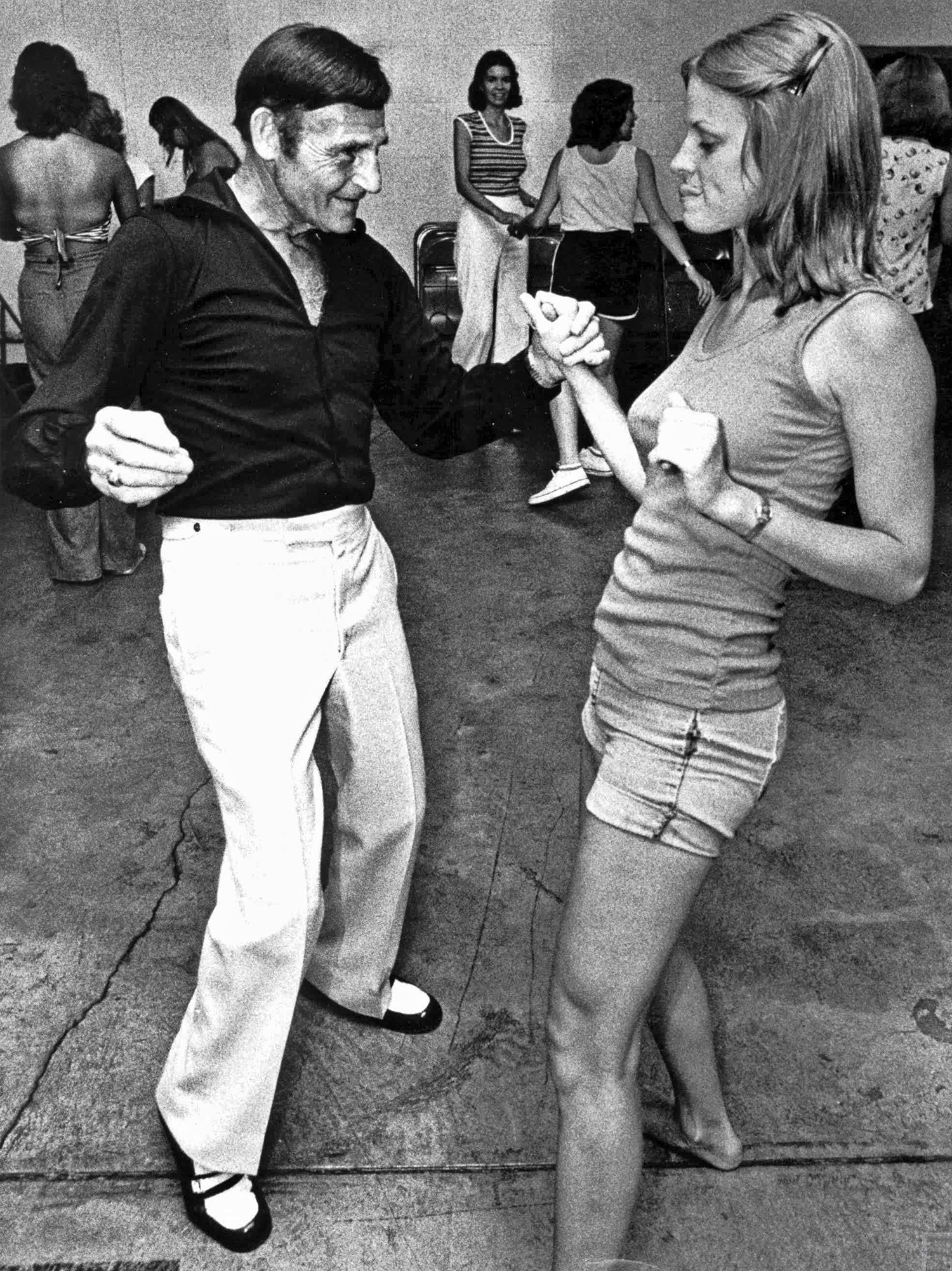 50 Random Pictures Of People Dancing In The 1960s 1970s