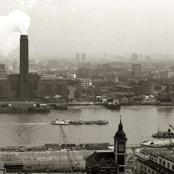 Terrific Photos of London in 1973 by Mary Brown