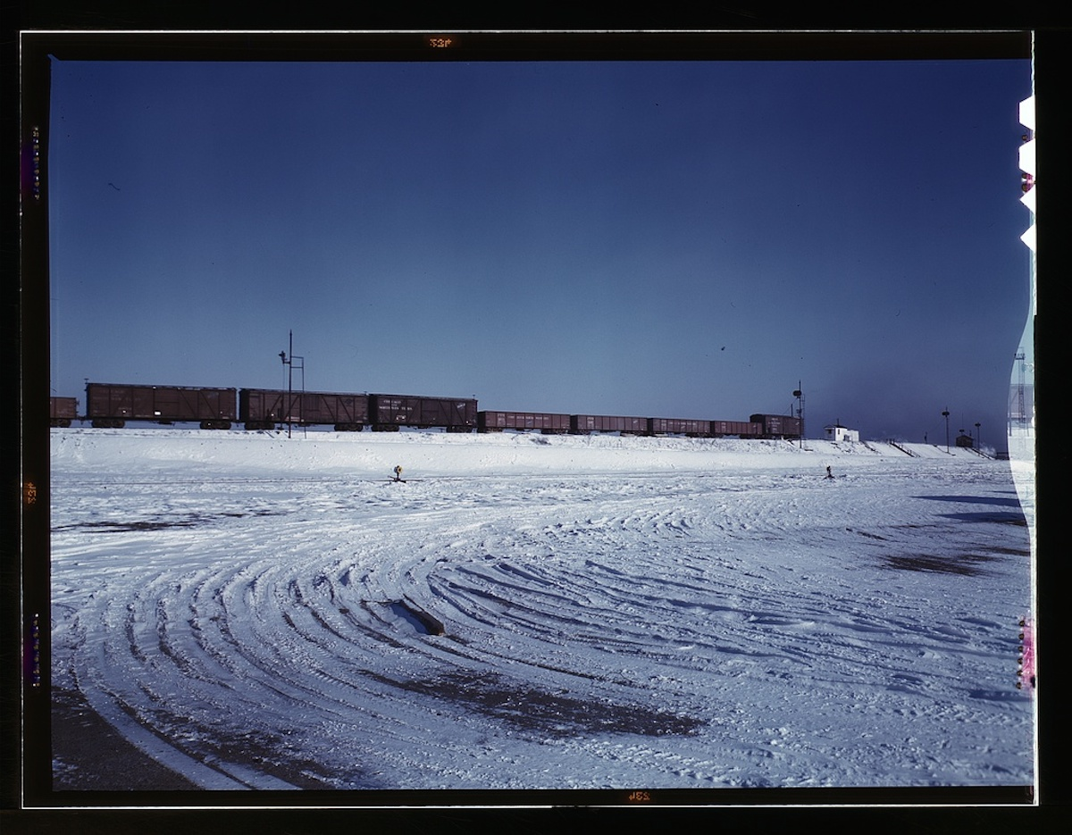 Train going over the hump at C & NW RR's [i.e. Chicago and North Western railroad's] Proviso yard, Chicago, Ill. 1 transparency : color. Contributor: Delano, Jack Date: 1939