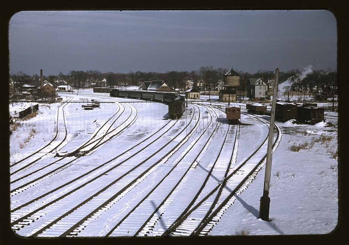 [Train and several sets of railroad tracks in the snow, Massachusetts] 1 slide : color. Contributor: Delano, Jack Date: 1939