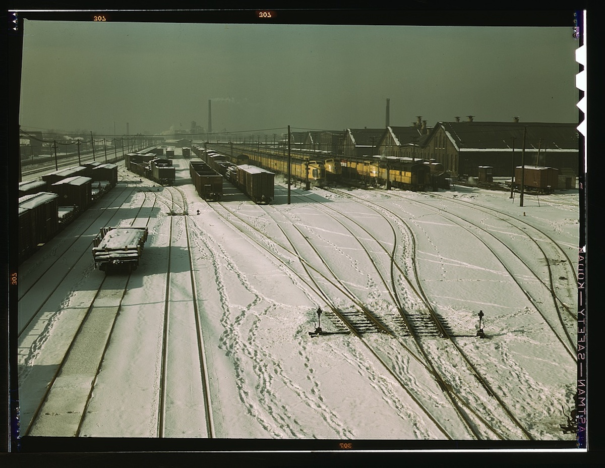 General view of yard and some of the locomotive shop of the C & NW RR [i.e. Chicago and North Western railroad] at 40th Street. On the tracks on the right are ... 1 transparency : color. Contributor: Delano, Jack Date: 1939