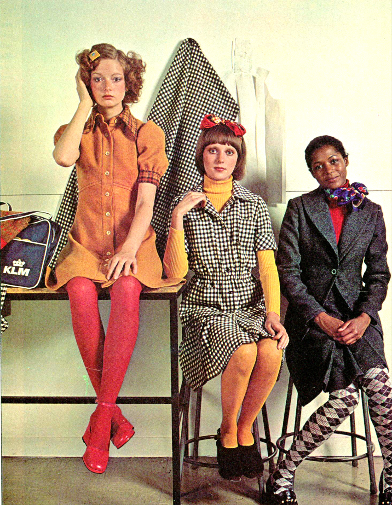 82cf6217cae Women   Teen Fashions 1972  Defining the Seventies Style - Flashbak