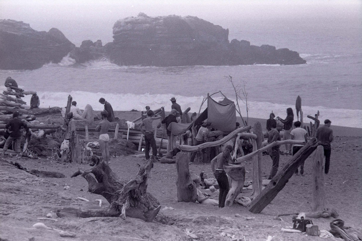 """Driftwood City,"" Sea Ranch, CA. Experiments in Environment Workshop, July 4, 1966. (Courtesy Lawrence Halprin Collection, The Architectural Archives, University of Pennsylvania)"