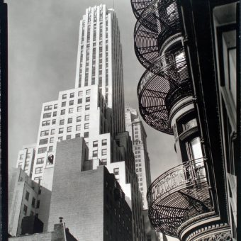 Remarkable Photos of Manhattan by Berenice Abbott from 1935