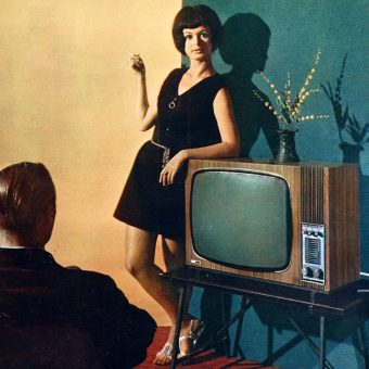 People & Their TV Sets: 25 Vintage Images