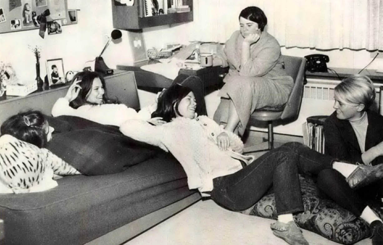 Inside College Dorm Rooms from the 1970s