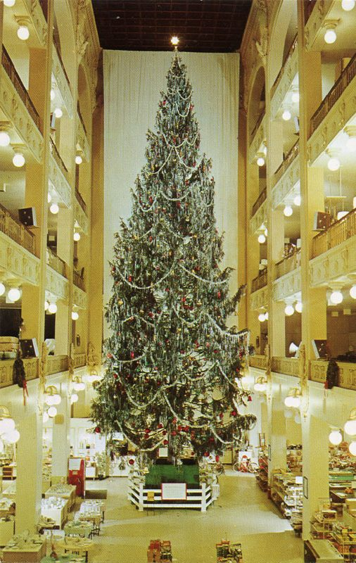 Sterling_Linder_Department_Store_Christmas_tree_Cleveland_OH