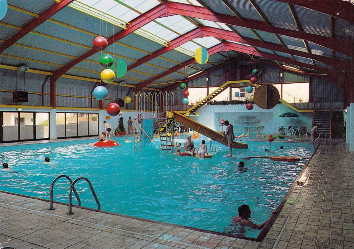 44 glorious postcards of the glamorous butlin 39 s ocean hotel in saltdean flashbak for Hotels in brighton with swimming pool