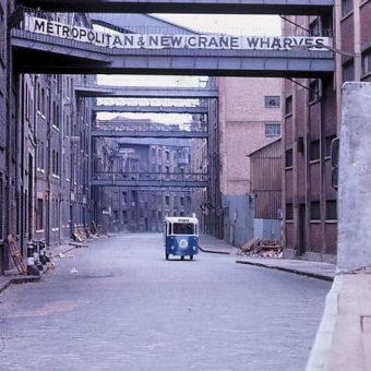 Shabby but not Chic – Photos of Wapping and Whitechapel in 1973