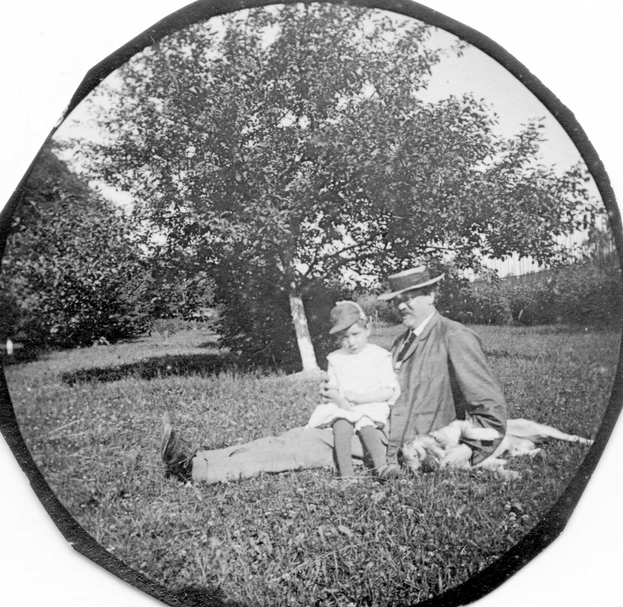 19th century photography Spirit photography was a genre of the 19th century, where a photograph of a living subject features a 'spirit' of a deceased person of course, we all know it's a double exposure, but before then, william mumler took advantage of his clients to sell 'spirit photographs.