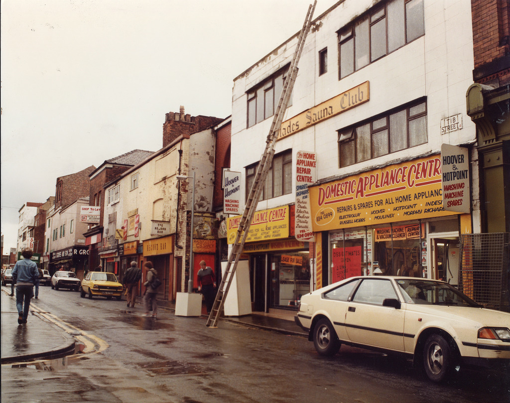 26 Snapshots Of Manchester In The 1980s Flashbak