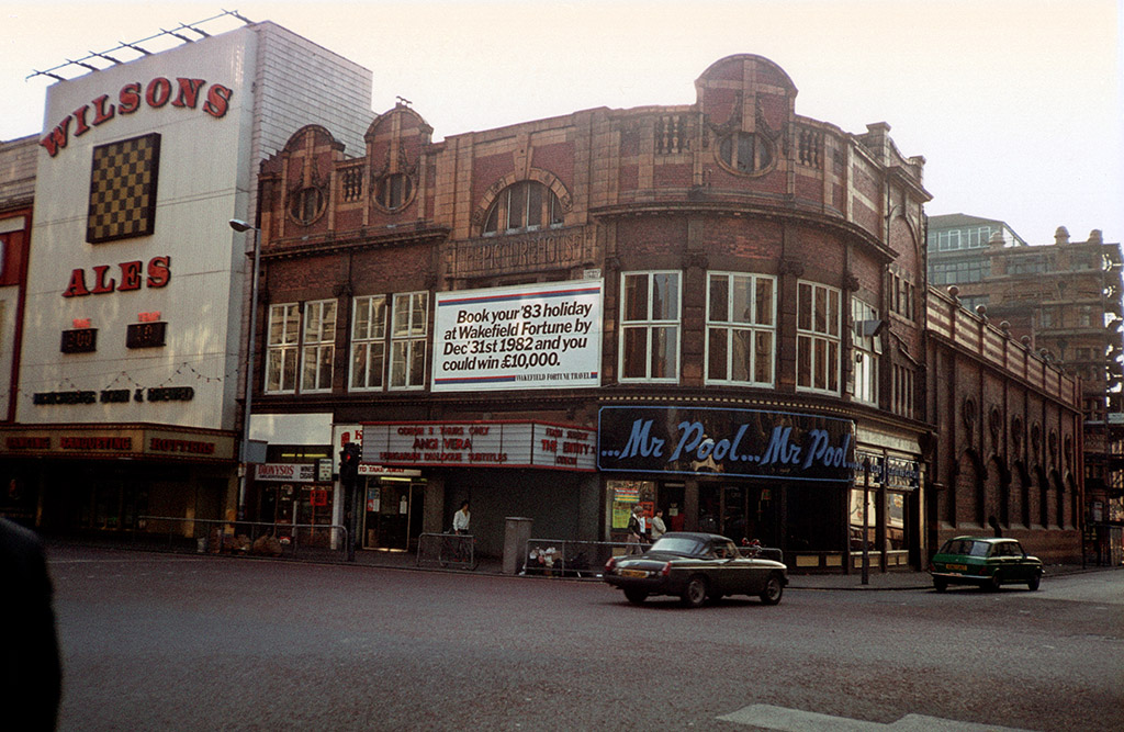 The former Picture House cinema on Oxford Street in late 1982