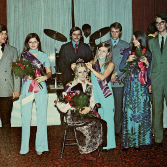 Miss Popularity in the 1970's: 35 Vintage Photos of Prom Queens & Their Groovy Court