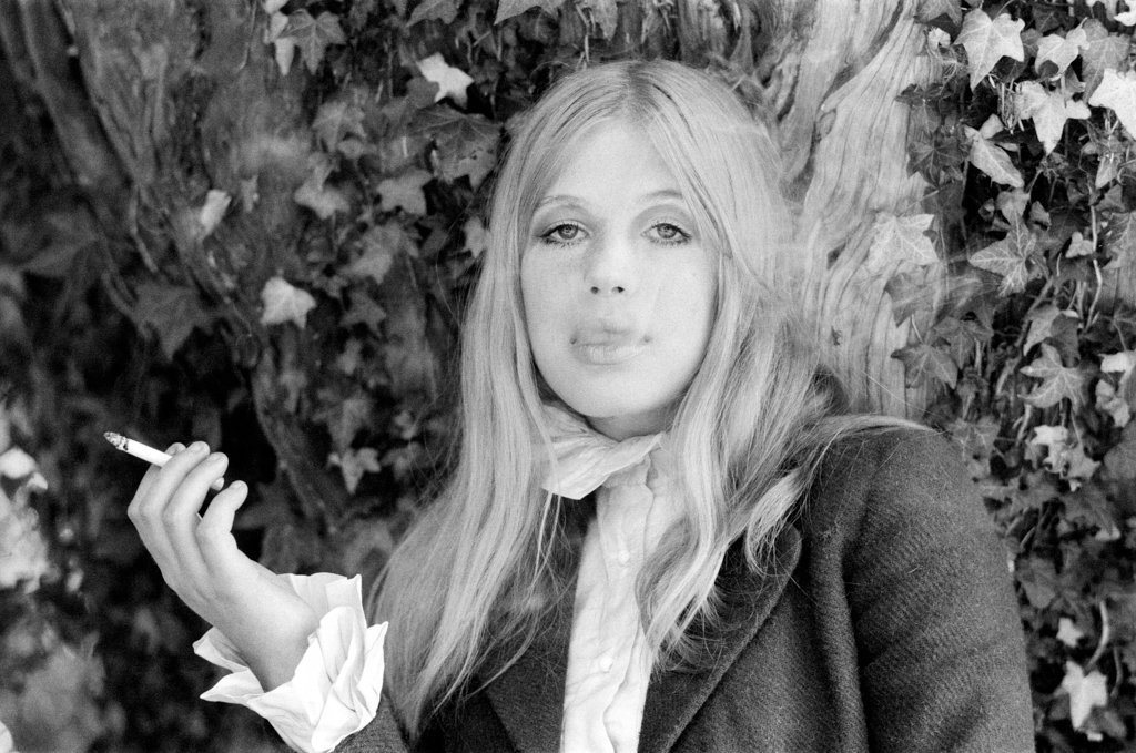 Never apologize never explain pictures of marianne faithfull detail of marianne faithfull 1971 by bill rowntree altavistaventures