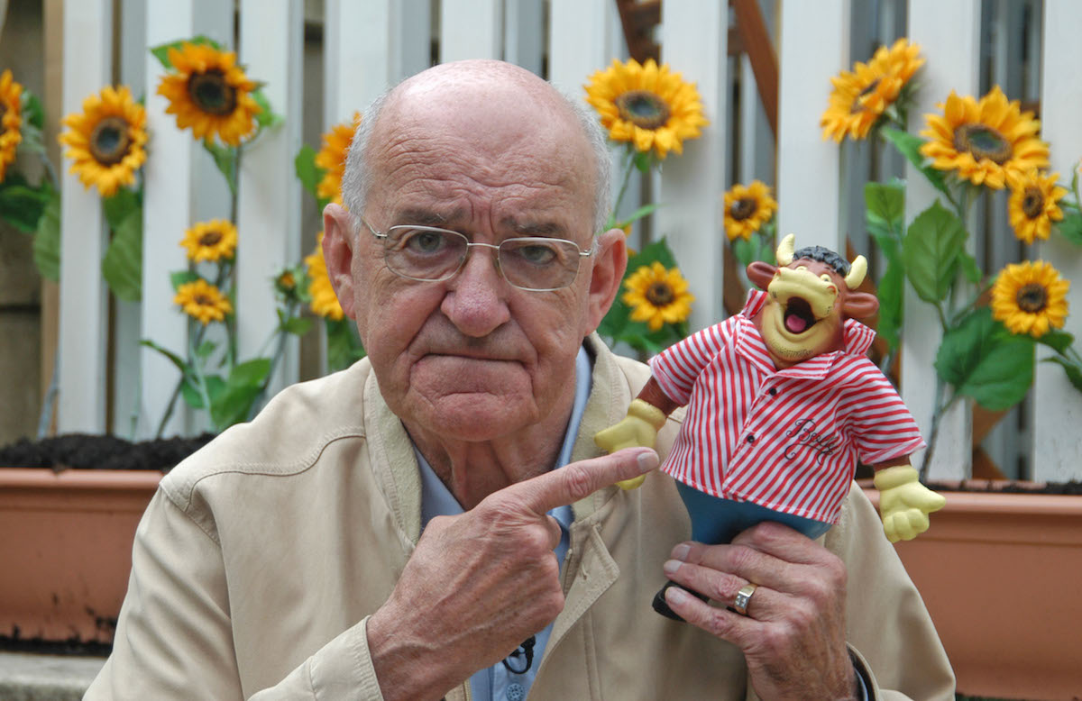 "Jim Bowen Edinburgh Fringe Festival, Edinburgh, Scotland, Britain - 14 Aug 2008 Jim Bowen - legendary Bullseye game show presenter in Edinburgh for his show ""Look What You Could Have Won"" which is based on his show. Seen here posing with the well-known show mascot Bully."
