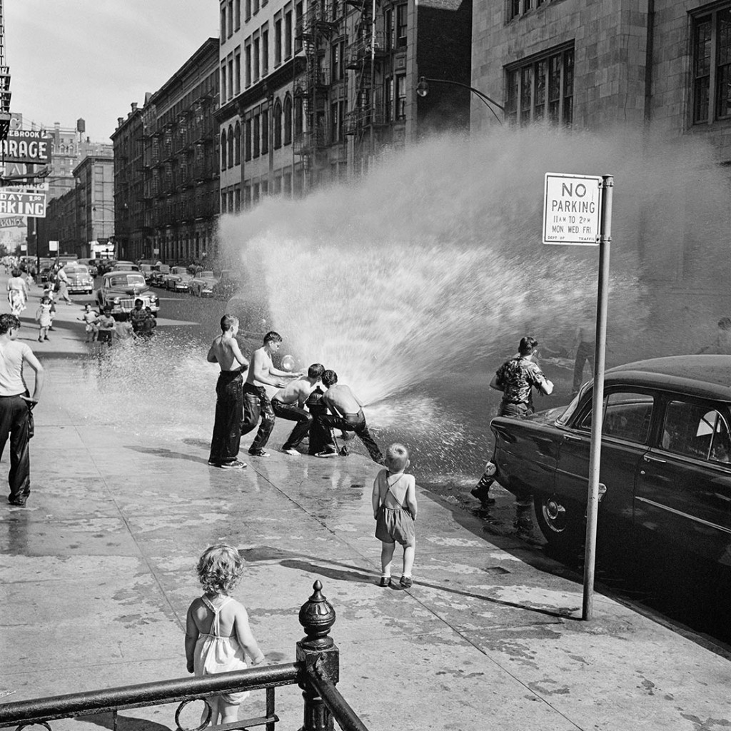 June 1954, New York, N.Y. Photo by Vivian Maier, courtesy the Maloof Collection:Howard Greenberg Galleries