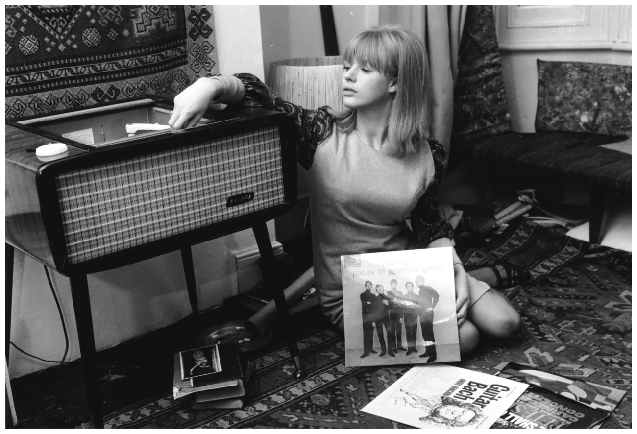Never apologize never explain pictures of marianne faithfull 1964 altavistaventures Image collections
