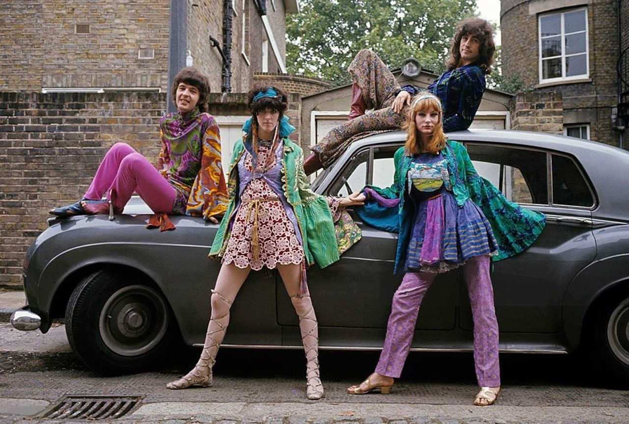 Swinging London 1967 complete series of photos of the