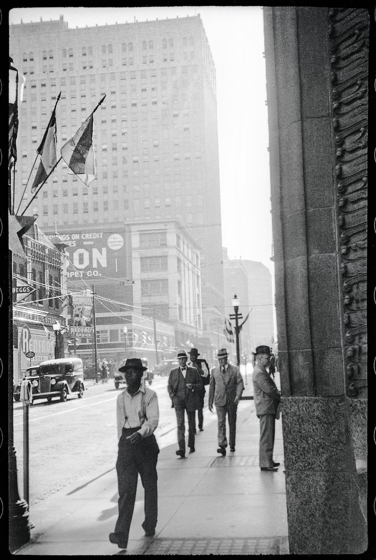 Williams, Byrd M. (Byrd Moore), III. [A street in downtown Fort Worth],