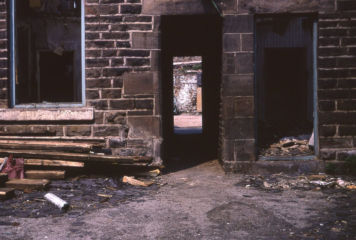 Slums on Nile Street/Peel Street, The Broomhill Study, Sheffield, May 1970.