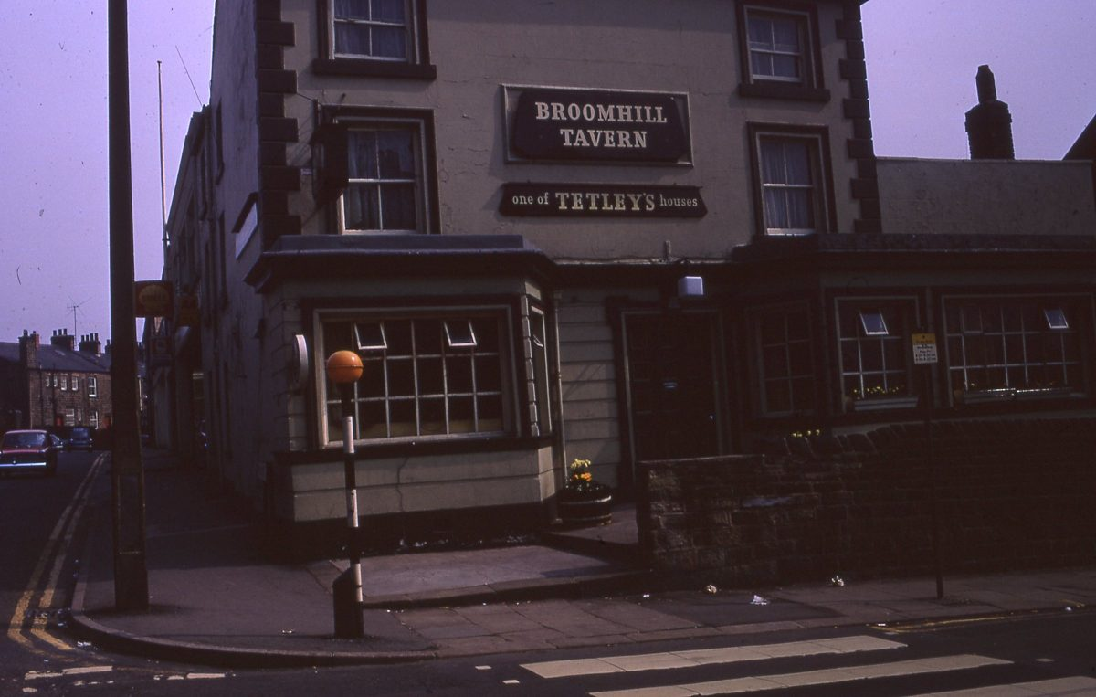 The Broomhill Tavern, on Glossop Road and Peel Street, The Broomhill Study, Sheffield, May 1970.