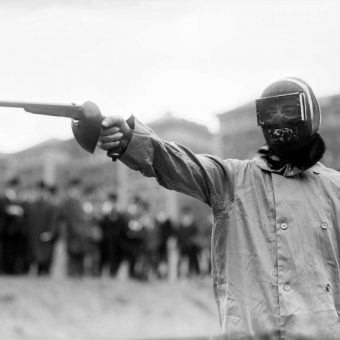Duelling With Wax Bullets in New York (1909)