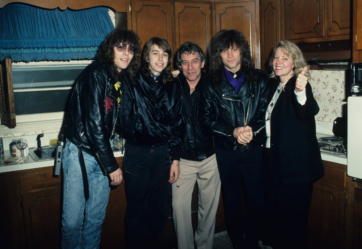 The Bongiovis in Jon's family house in Sayreville, New Jersey, March 30, 1989 (Anthony, Matt, John, Jon, Carol)