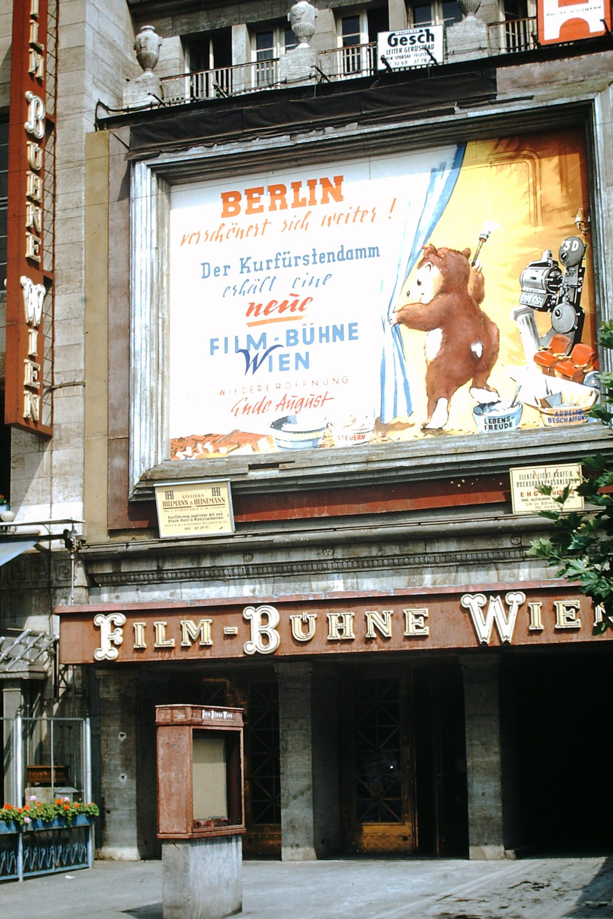 7-3-1953- Berlin- Str Scene- Germany