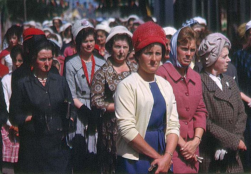 Ireland 1960s, Women taking part in a Corpus Christi Procession in Cahir, Co. Tipperary. Date: Thursday, 13 June 1963