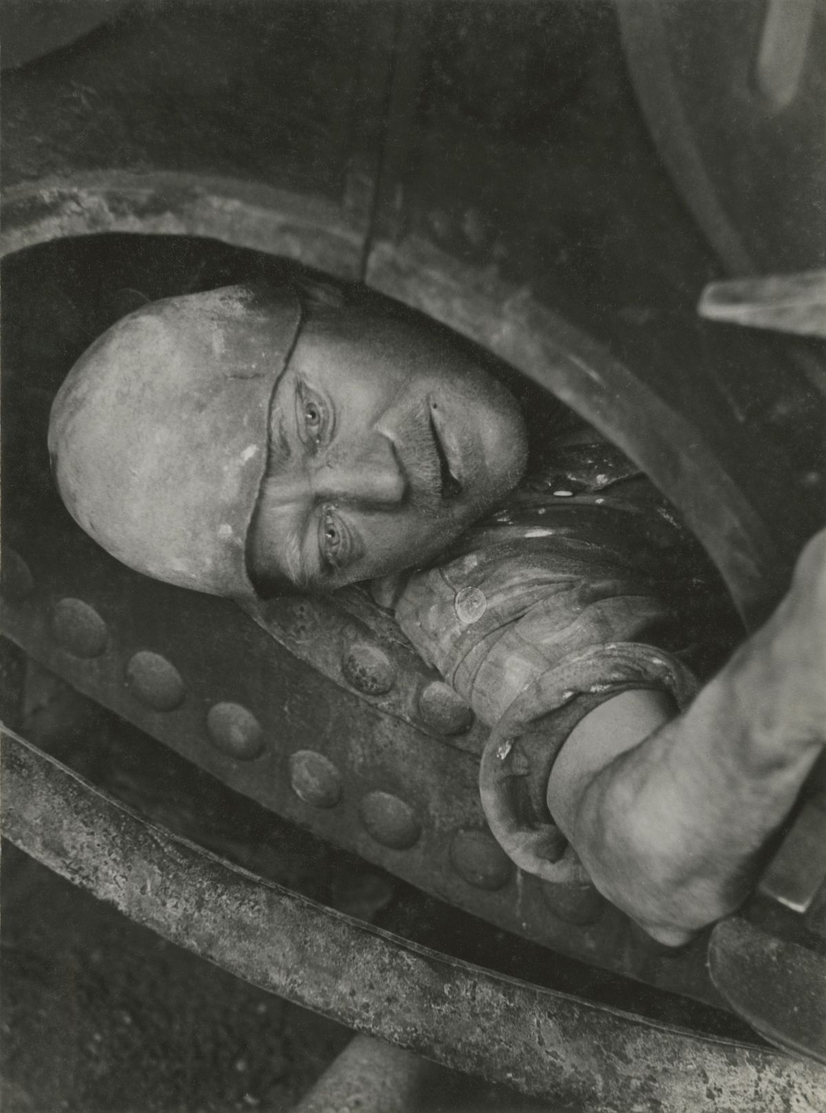 Jakob Tuggener (1904-1988) Work in the boiler 1935