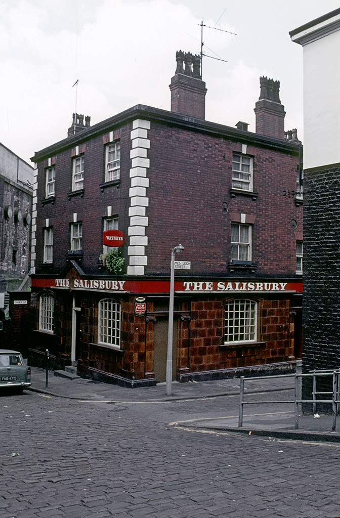 Manchester pubs, The Salisbury public house on Wakefield Street, around 1974.