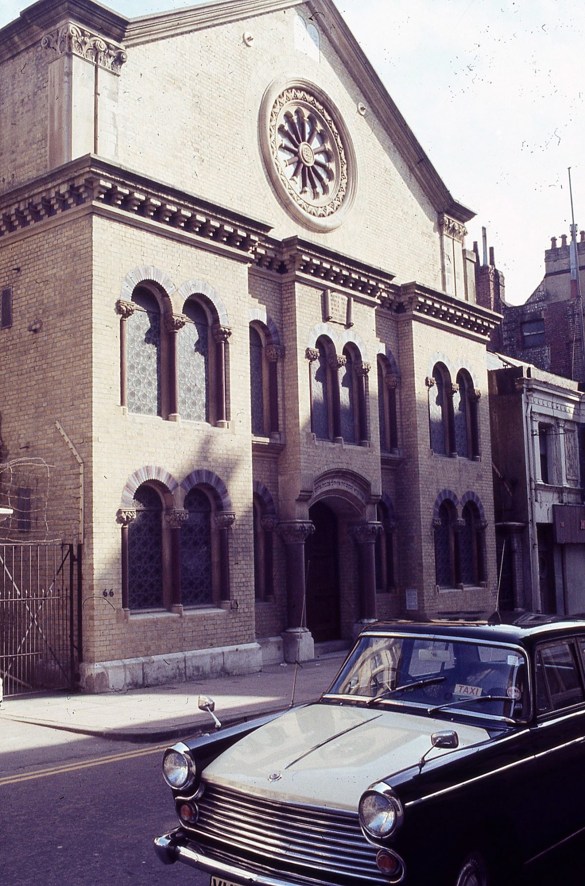 Middle-Street-Synagogue-Brighton-1972-12