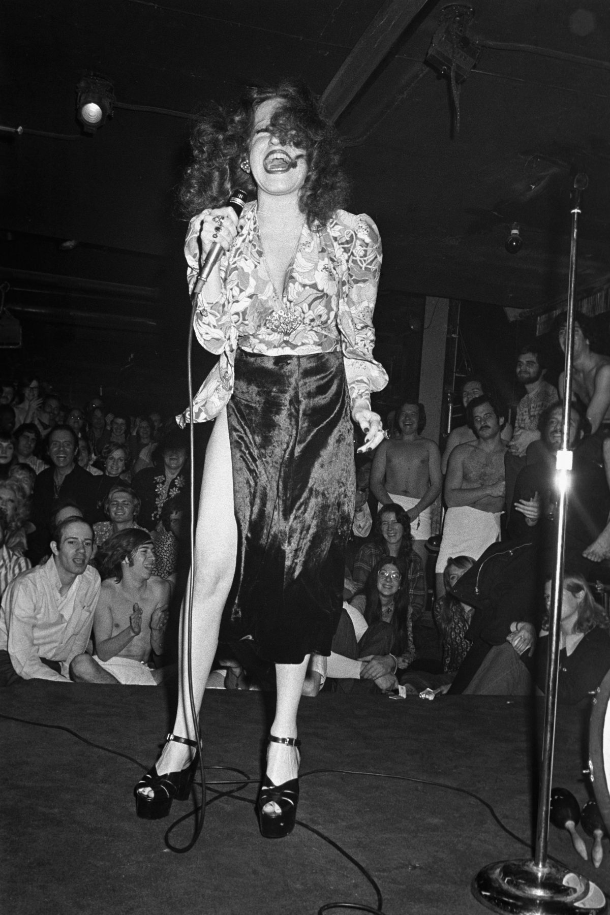 Bette Midler performing at the Continental - Feb 4 1972