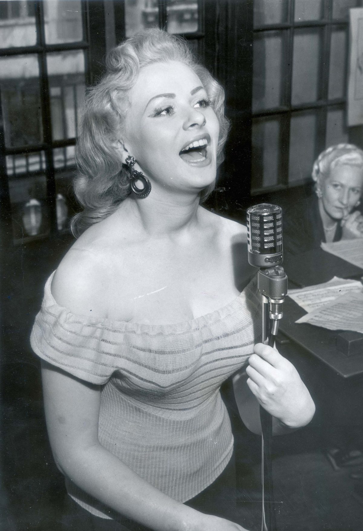 Actress And Fifties Glamour Model Sabrina (norma Ann Sykes) Pictured Singing. 16 Jun 1955