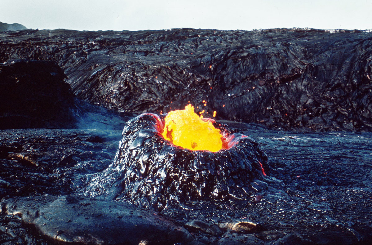 volcanic eruptions and hawaii the dreadful effects of magma The steady march of lava from a hawaiian volcano could reach rural homes within a week big island officials near the path of destruction have restricted roads to locals in case residents in the.